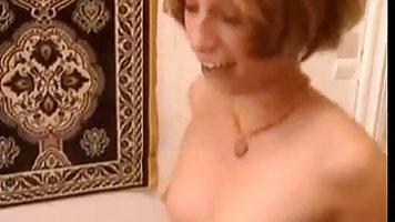 Кэролайн Пирс в шоке от толстого члена негра