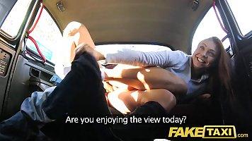 Порно public в машине блондинка